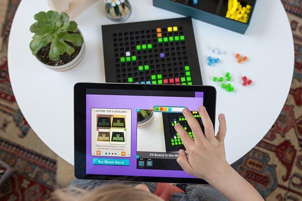 Migliori kit di codifica per bambini: Piattaforma Bloxels per creare videogame