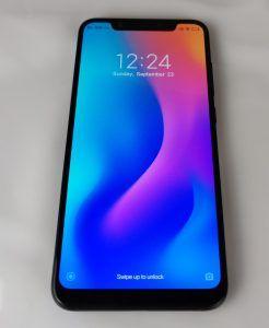 Recensione Xiaomi Mi 8 frontale