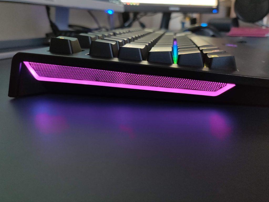 Tastiera Meccanica Gaming Tronsmart TK09R - retroilluminazione laterale