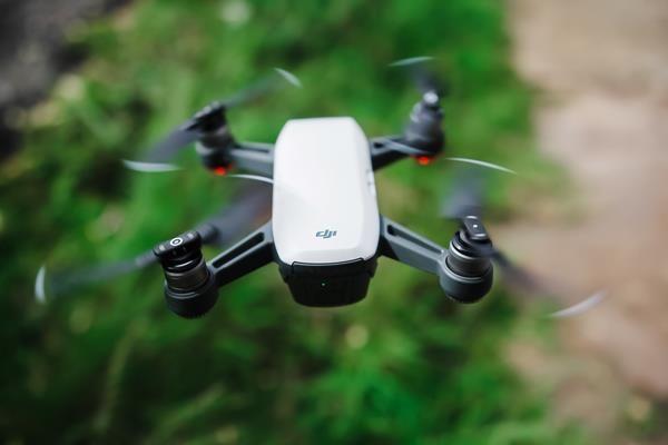 Guida all'acquisto droni: i comandi