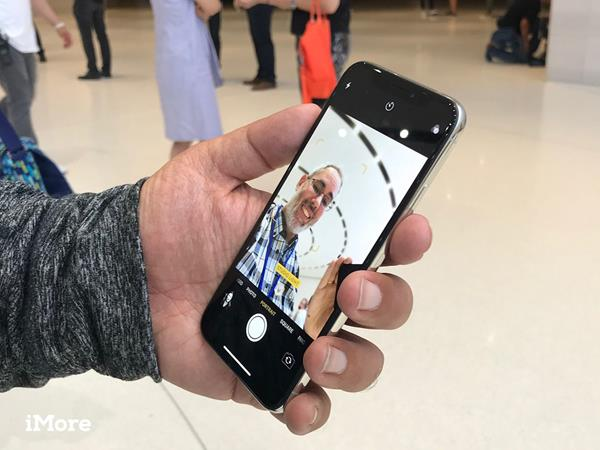 Selfie su iPhone: il display