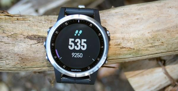 Migliori fitness tracker e smartwatch multisport: Garmin Fenix 5 Plus