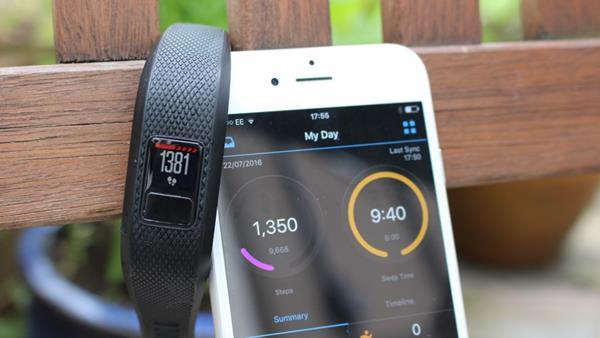 Migliori fitness tracker e smartwatch economici: Garmin Vivofit 3
