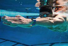 Migliori fitness tracker e smartwatch per il nuoto