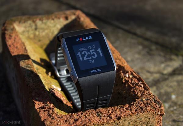 Migliori fitness tracker e smartwatch per il nuoto: Polar V800 HR