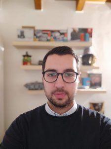 Recensione Pocophone F1 - selfie con bookeh frontale
