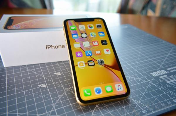 Recensione iPhone XR: Unboxing