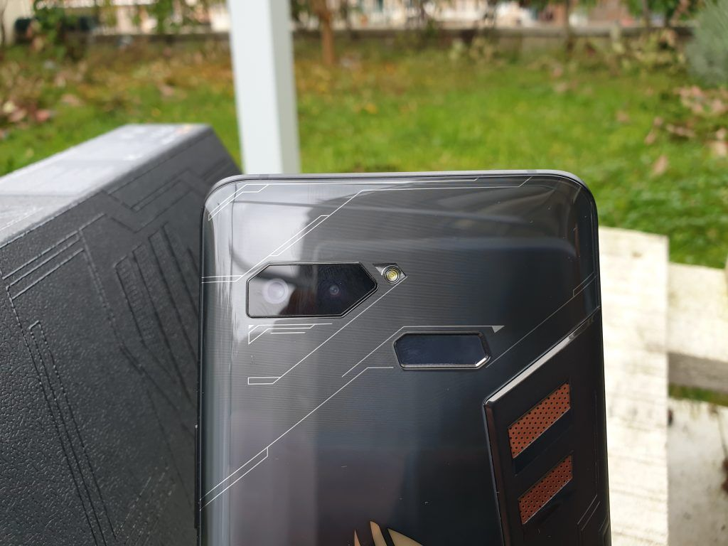 Asus ROG Phone doppia fotocamera