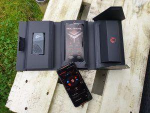 Asus ROG Phone scatola aperta