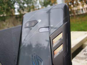Asus ROG Phone sensore per impronte digitali
