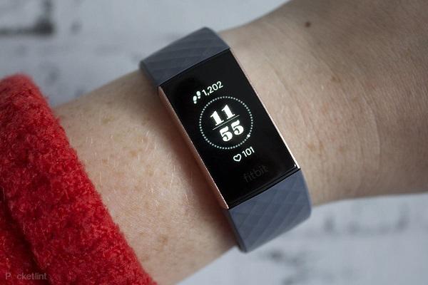 Migliori fitness tracker e smartwatch per la corsa: Fitbit Charge 3