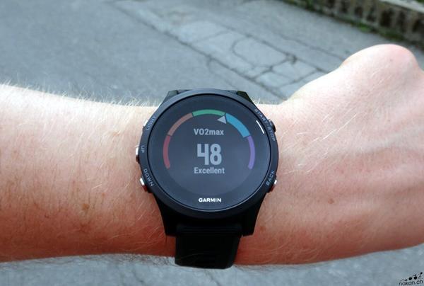 Migliori fitness tracker e smartwatch per la bicicletta: Garmin Forerunne 935