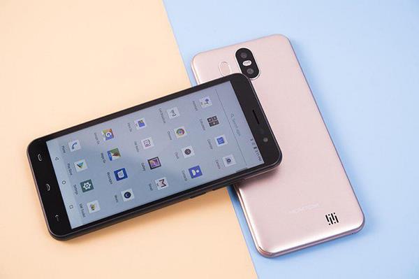 Migliori smartphone e smartwatch economici: HomTom S17