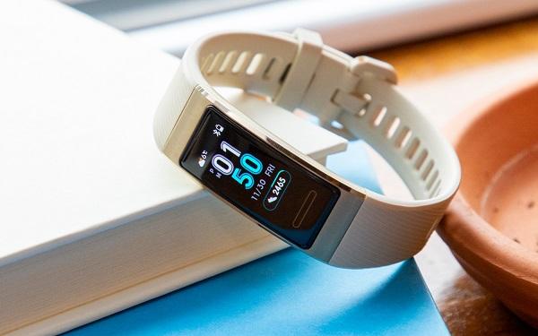 Migliori fitness tracker e smartwatch per la bicicletta: Huawei Band 3 Pro