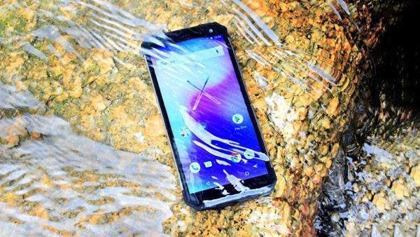 Migliori smartphone scontati su eBay: Ioutdoor X IP68