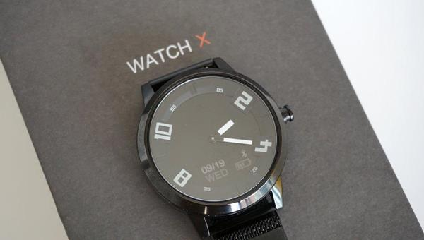 Recensione Lenovo Watch X: Display