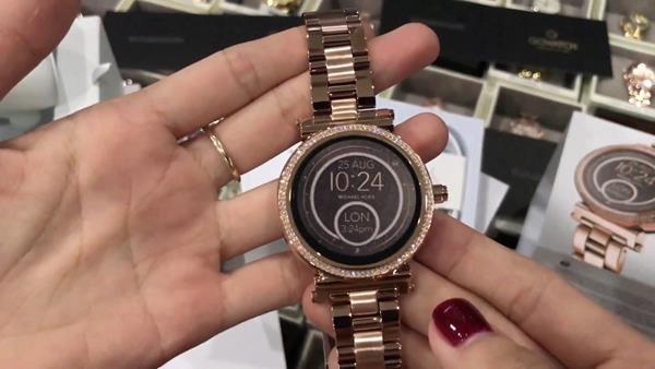 Migliori smartwatch da donna: Michael Kors MKT5022