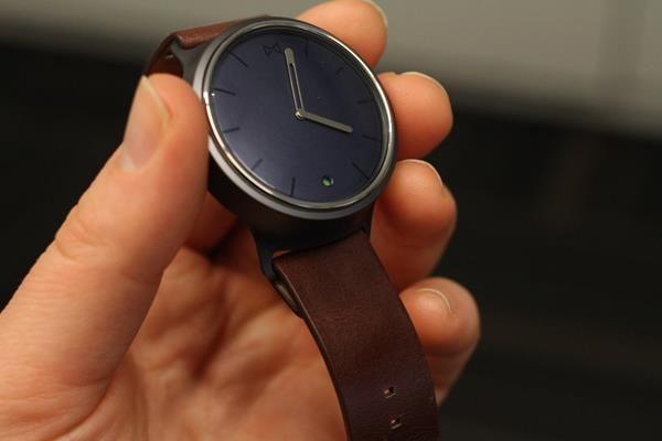 Migliori smartwatch da donna: Misfit Phase