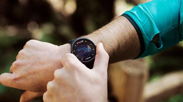 Migliori fitness tracker e smartwatch per la bicicletta: Polar M200