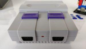 Recensione NES Mini cinese SN-02 - porte controller e pulsanti