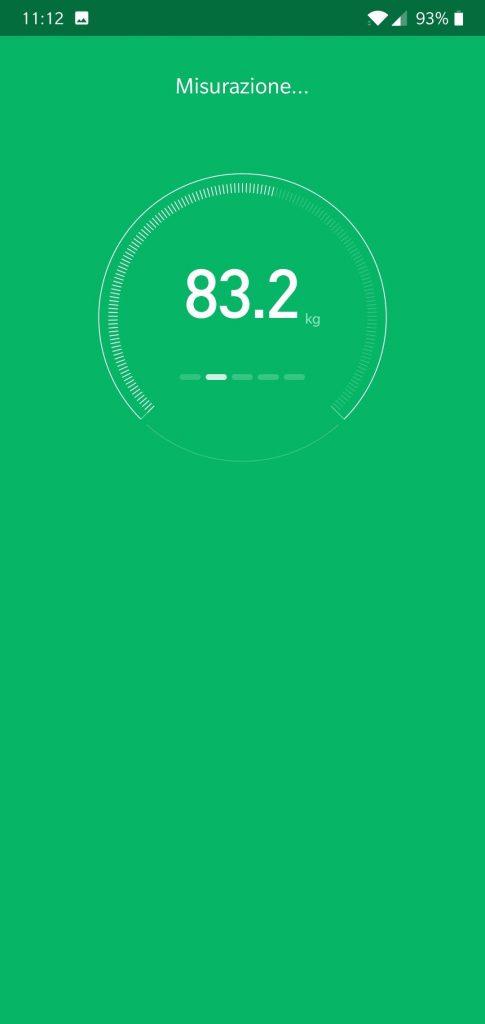 Recensione Xiaomi Mi Body Composition Scale - misurazione in corso