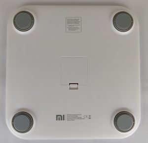 Recensione Xiaomi Mi Body Composition Scale - retro e piedini