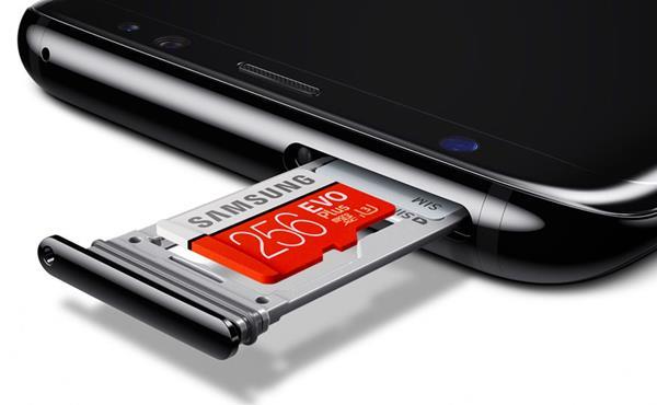 Scegliere schede microSD Galaxy S10