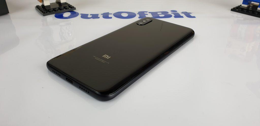 Recensione Xiaomi Mi 8 Pro - retro
