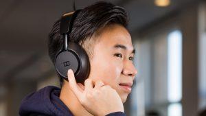 Dimension Headphones indossate