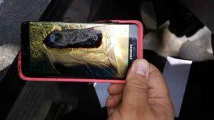 Uno smartphone distrutto