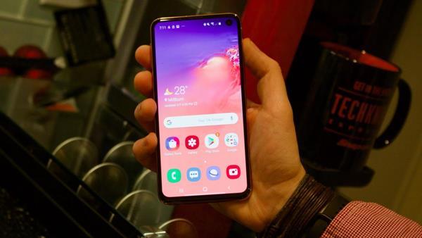 Recensione Samsung Galaxe S10e