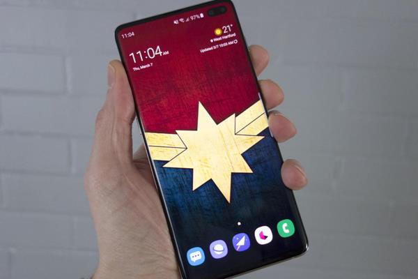 Recensione Samsung Galaxy S10+: Design