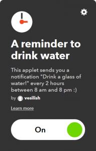 con quest'applet riceverai un promemoria più volte al giorno che ti ricorderà di bere
