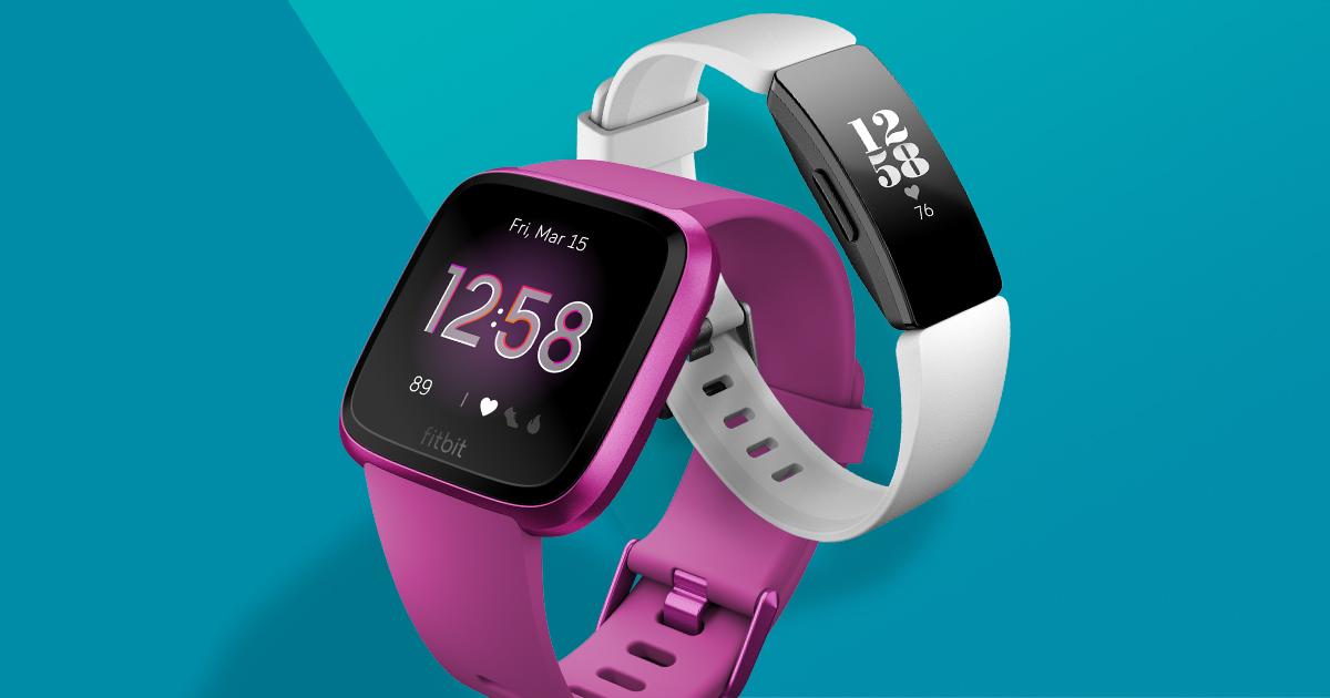 Due tracciatori di attività Fitbit