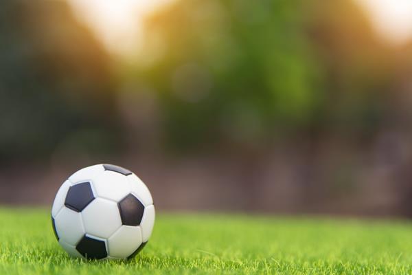 Giocare a calcio sullo smartphone