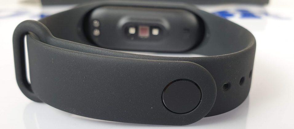 Mi Band 4 dettaglio del cinturino in silicone