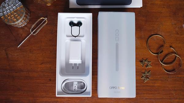 Unboxing Oppo Reno 10x Zoom