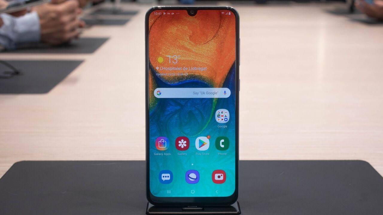 Samsung Galaxy A30 e J2 Core (1)