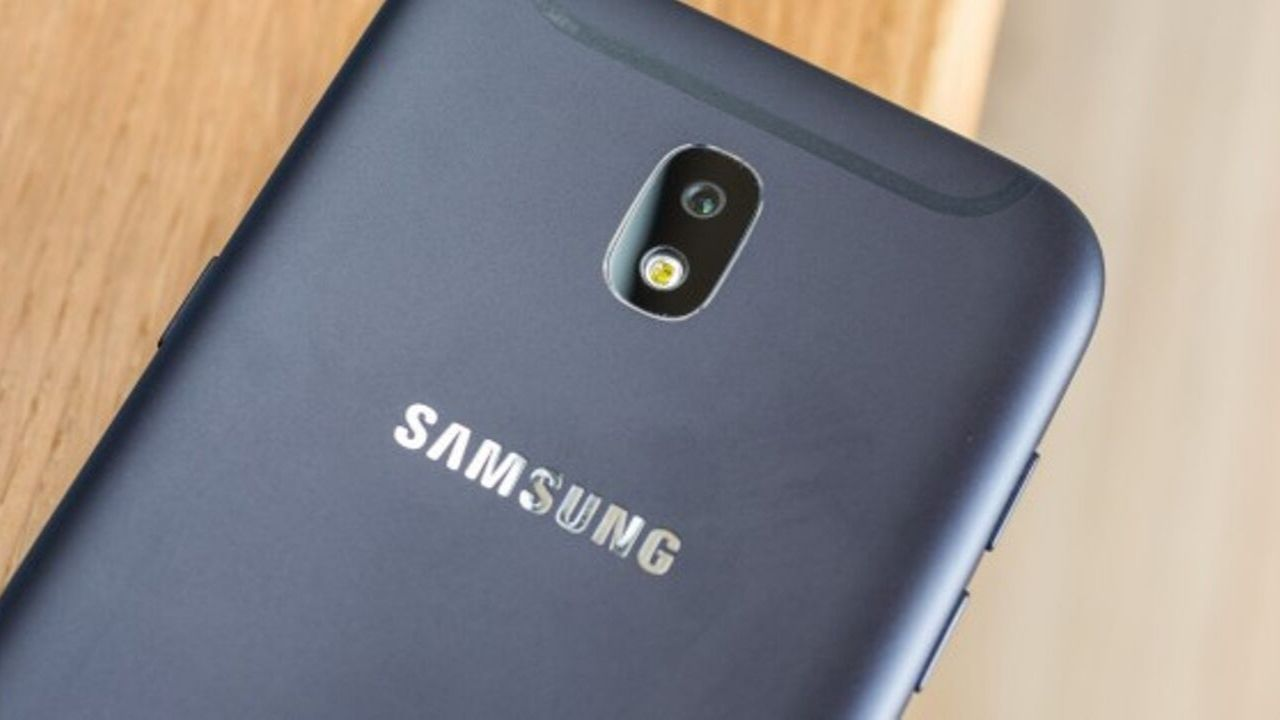 Samsung Galaxy J4+ e Galaxy J8
