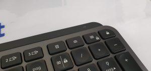 tastiera Logitech MX Keys - led e pulsanti aggiuntivi
