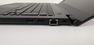Dynabook Portege A30-E-150 lato destro