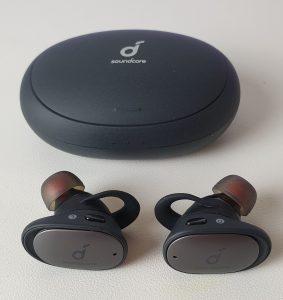 Soundcore Liberty 2 Pro - custodia e auricolari