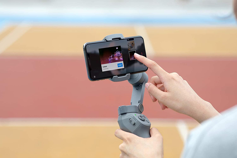 Gli accessori per smartphone con cui scattare foto: Dji Osmo Mobile 3
