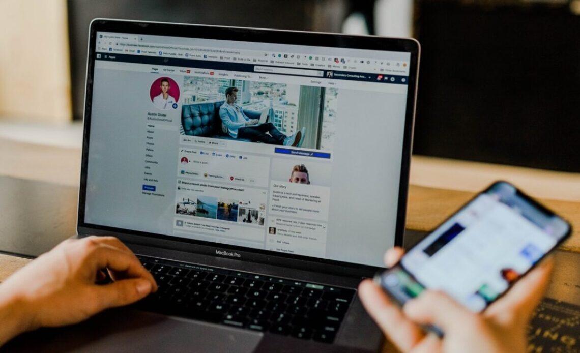 Come trasferire le foto di Facebook su Dropbox e Google Foto