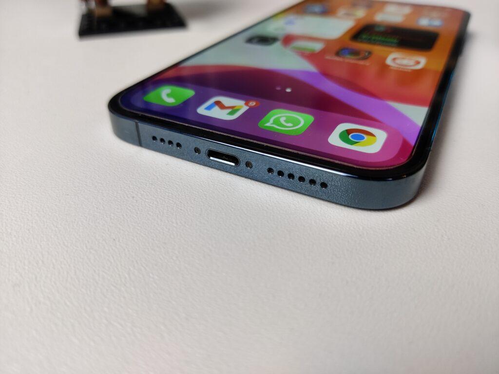 recensione iphone 12 pro max - porta lightning