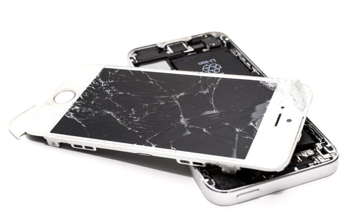 Aprire un centro riparazione cellulari tutto quello che c'è da sapere