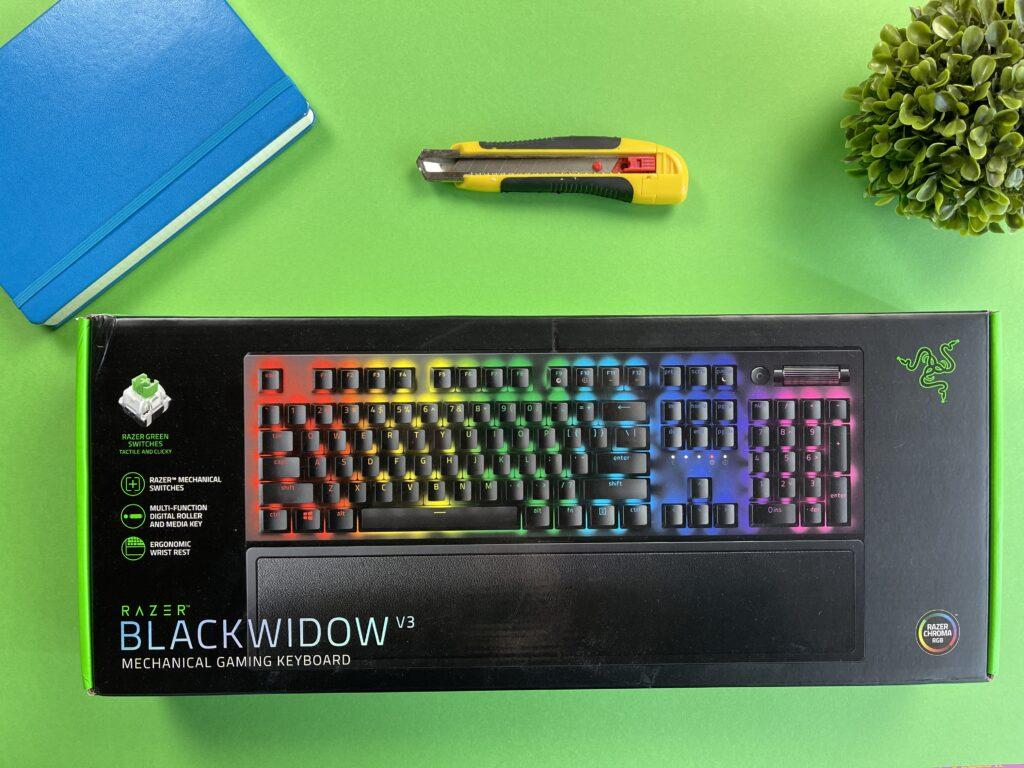 Recensione Razer Blackwidow V3 - scatola