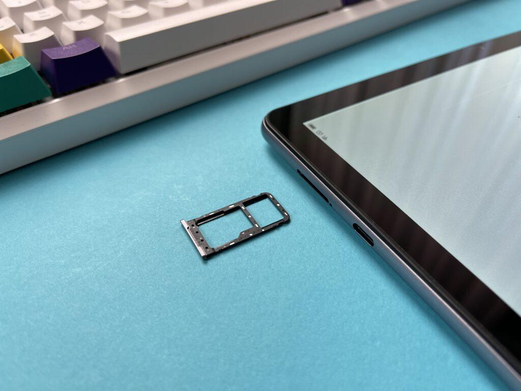 Recensione Blackview Tab 10 2021 - doppio carellino nanosim e microsd