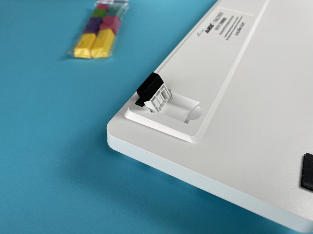 piedini tastiera meccanica Ajazz K870T