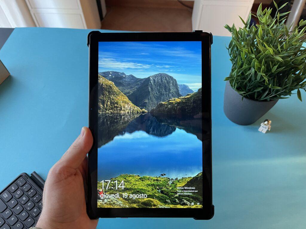 Recensione Chuwi Hi10 Go - schermo in modalità tablet